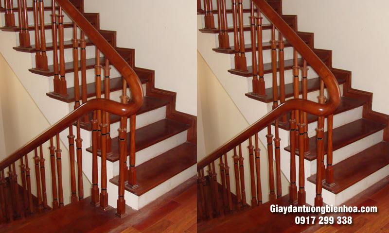 Báo giá thi công lắp đặt sàn gỗ nâu cầu thang
